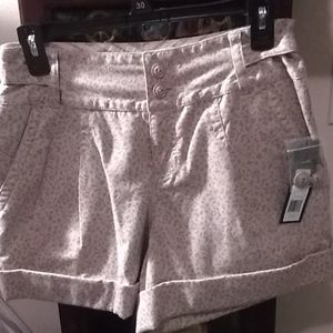 NWT! Marc by Marc Jacobs Taupe Shorts